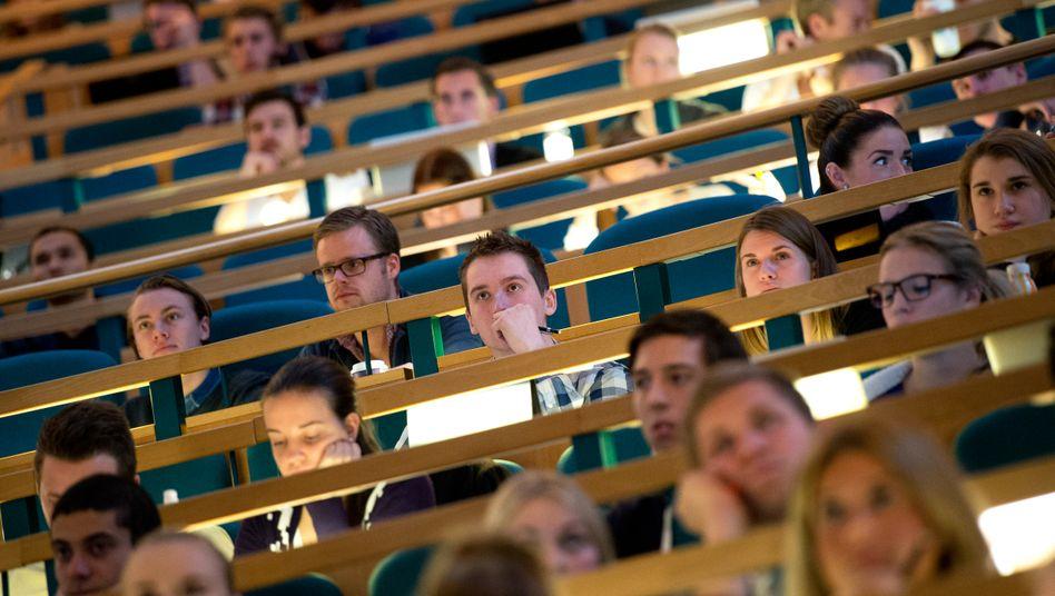 Studierende im Hörsaal (Archivbild)