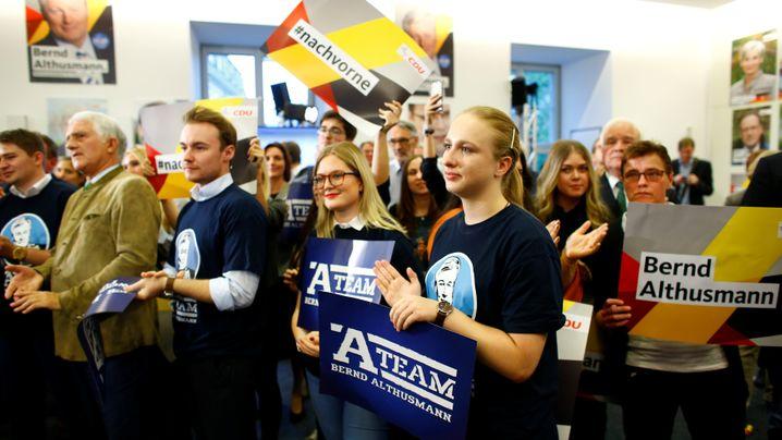 Landtagswahl in Niedersachsen: Lange Gesichter bei der CDU, Jubel bei der SPD