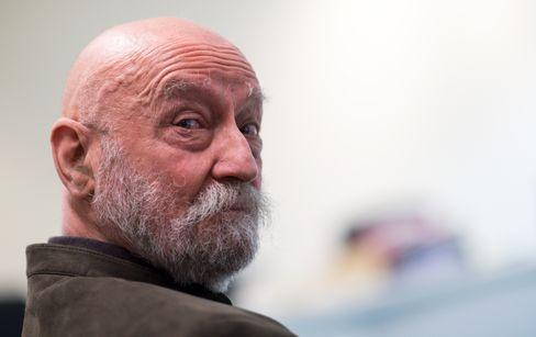 Karl-Heinz Hoffmann (Foto von 2016 im Berliner Verwaltungsgericht) gründete 1973 die Wehrsportgruppe Hoffmann