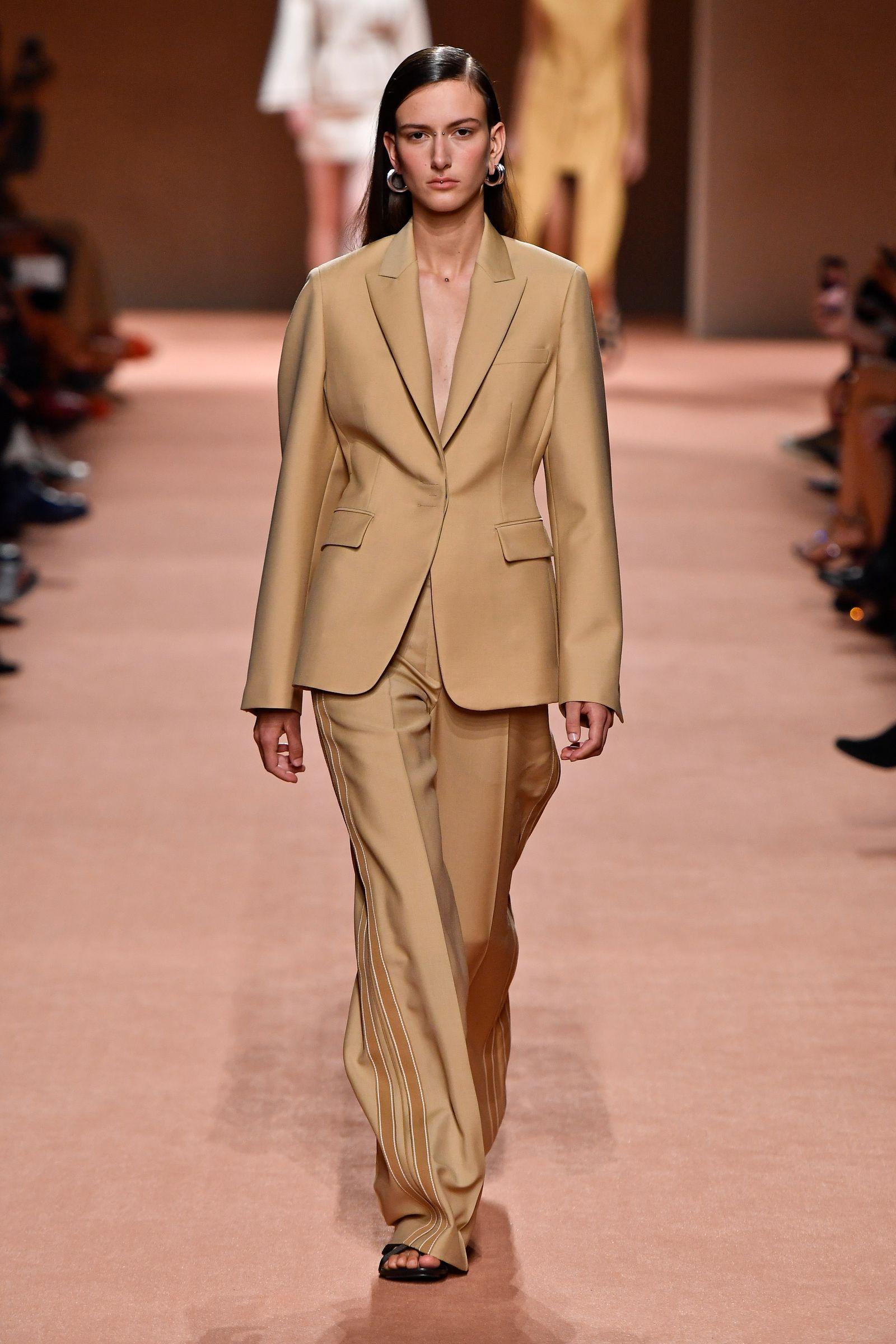 Hermes : Runway - Paris Fashion Week - Womenswear Spring Summer 2020