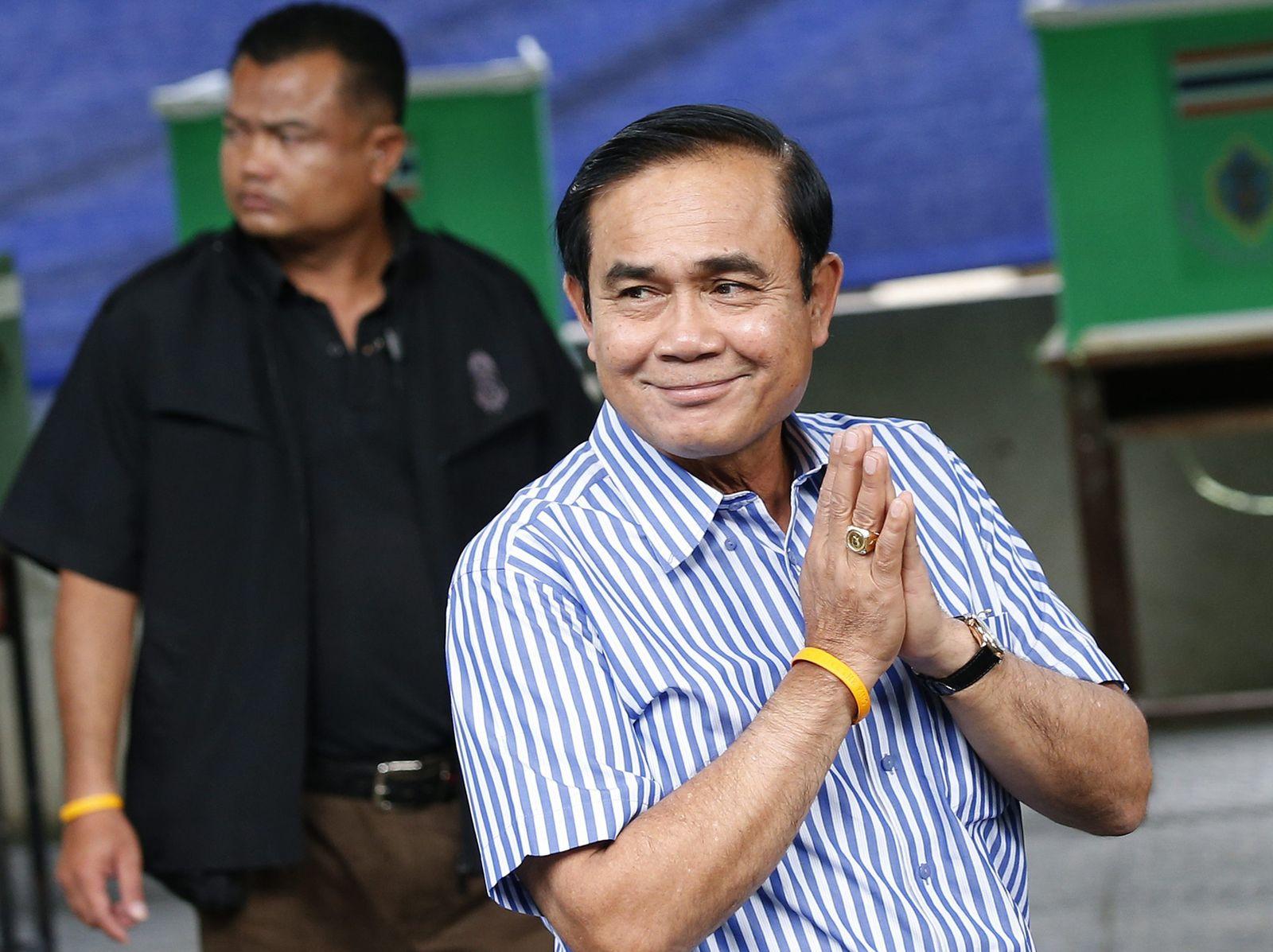 Thailand holds referendum on new constitution