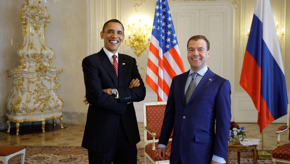 Präsidenten Obama und Medwedew in Prag: Die Welt soll sicherer werden