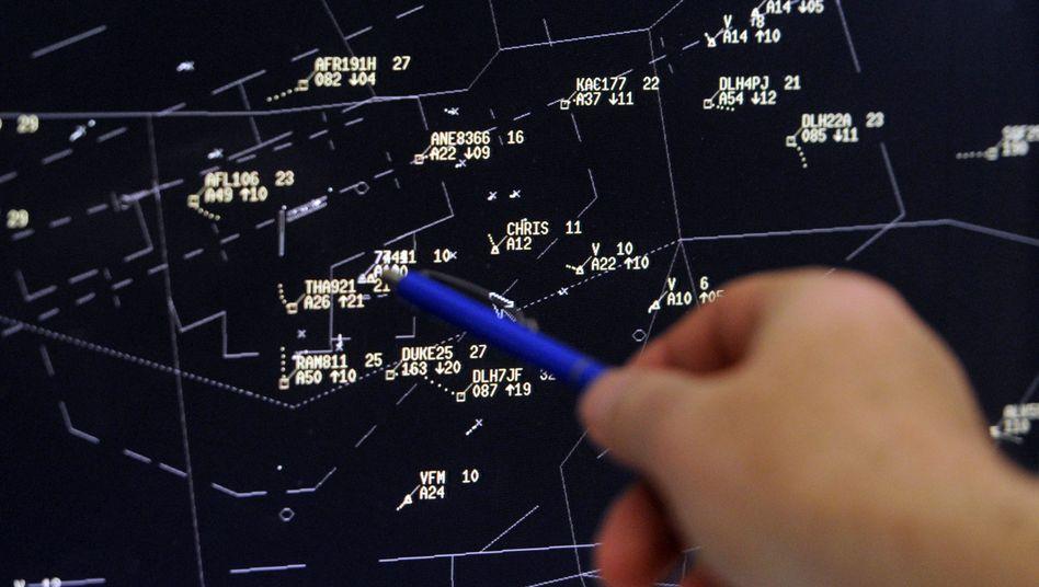 Radarschirm im Kontrollzentrum in Langen (Archiv)