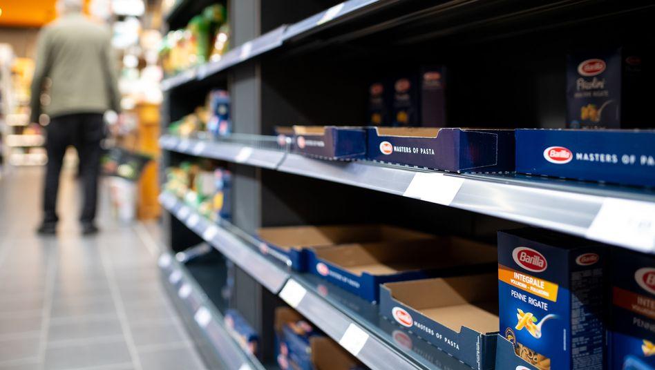 Nudeln in bayerischem Supermarkt