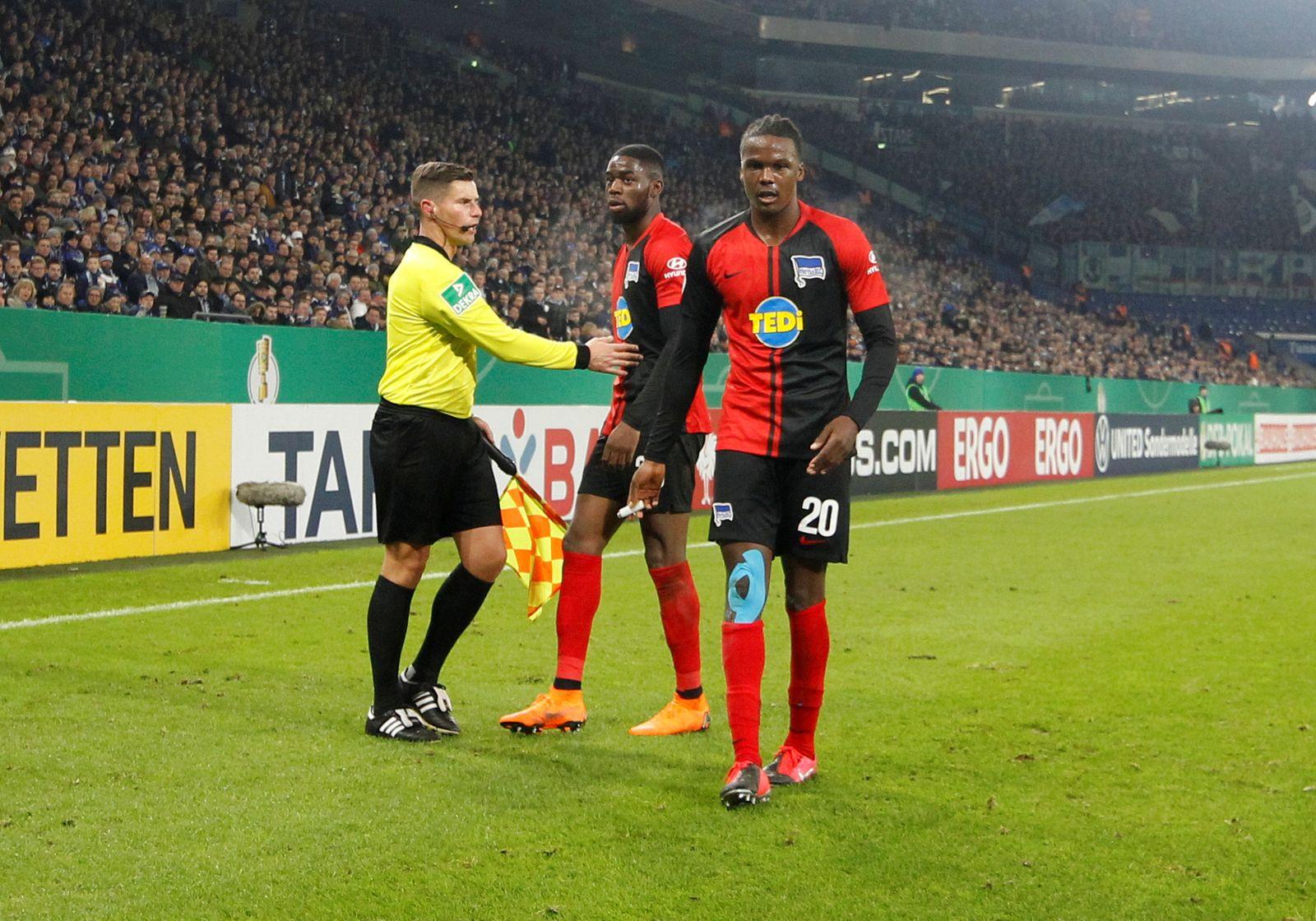 DFB Cup - Third Round - Schalke 04 v Hertha BSC