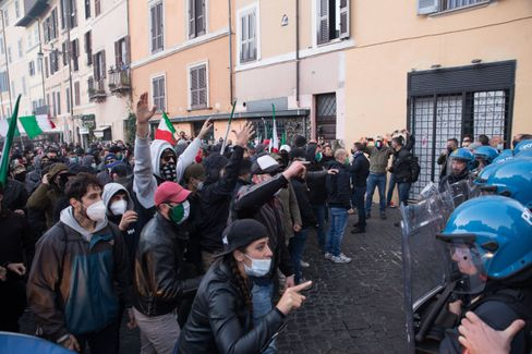 Protest gegen die Corona-Maßnahmen in Rom