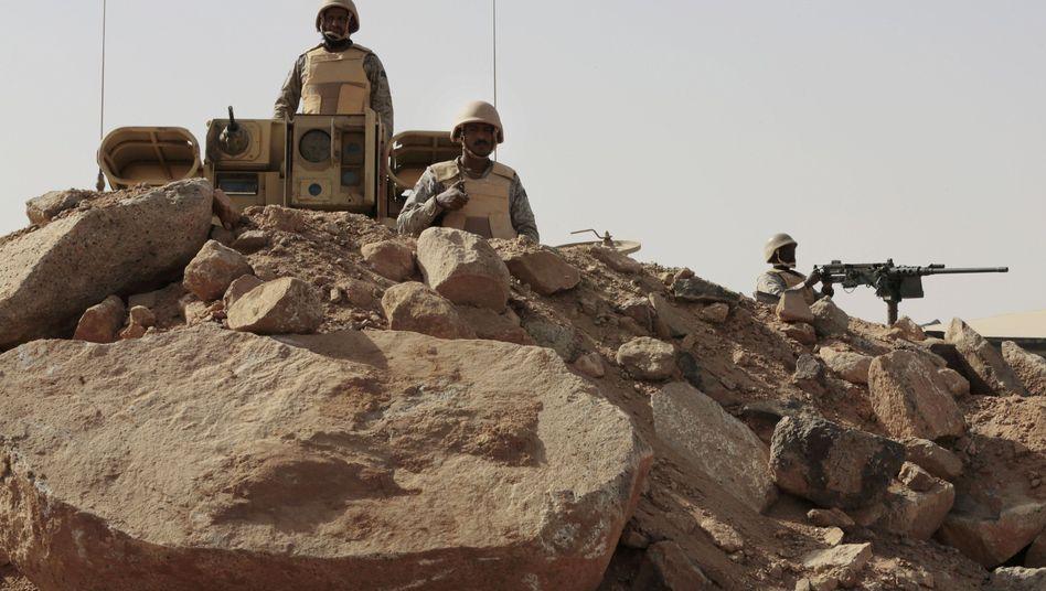 Saudi-arabische Soldaten an der Grenze zum Jemen: Der weltweite Waffenhandel stieg um 14 Prozent
