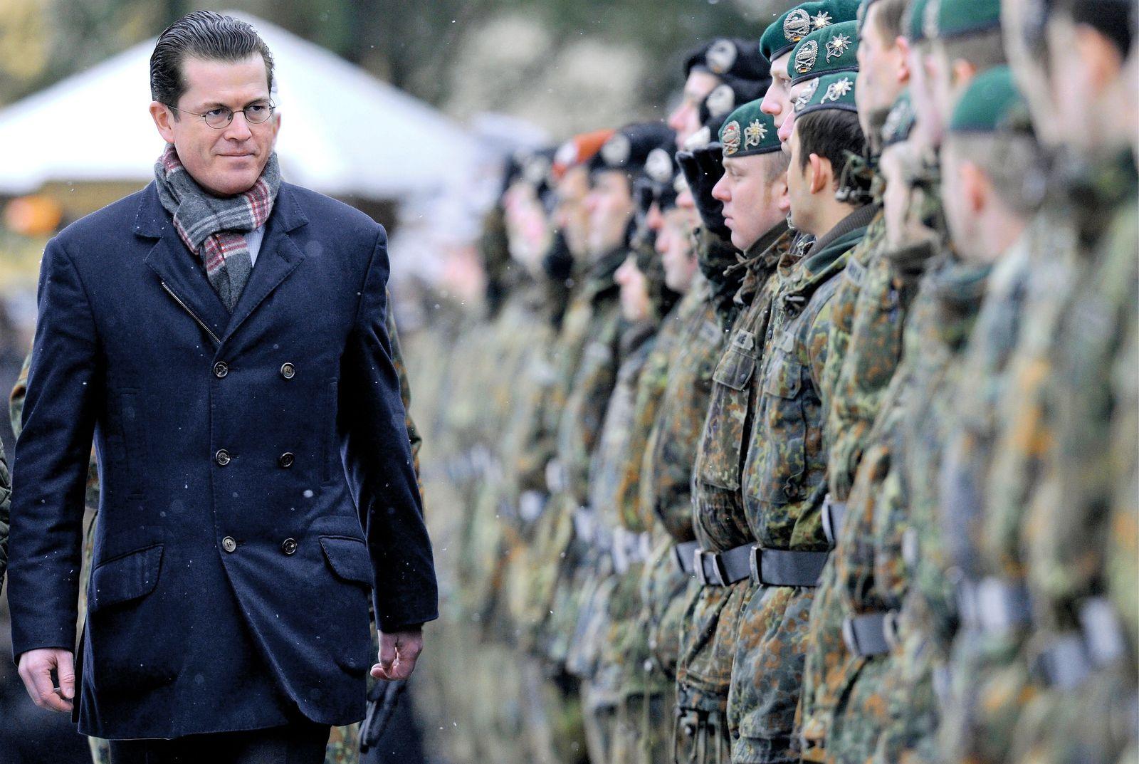 NICHT VERWENDEN Guttenberg / Soldaten