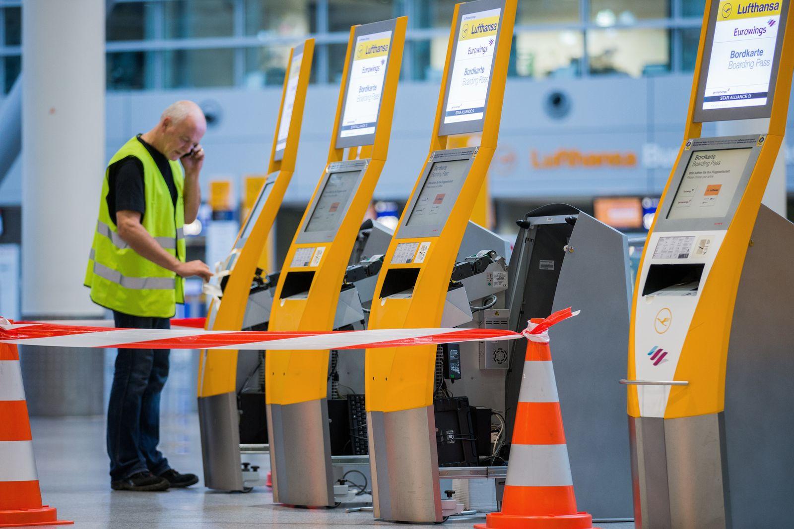 Streik bei Lufthansa - Düsseldorf