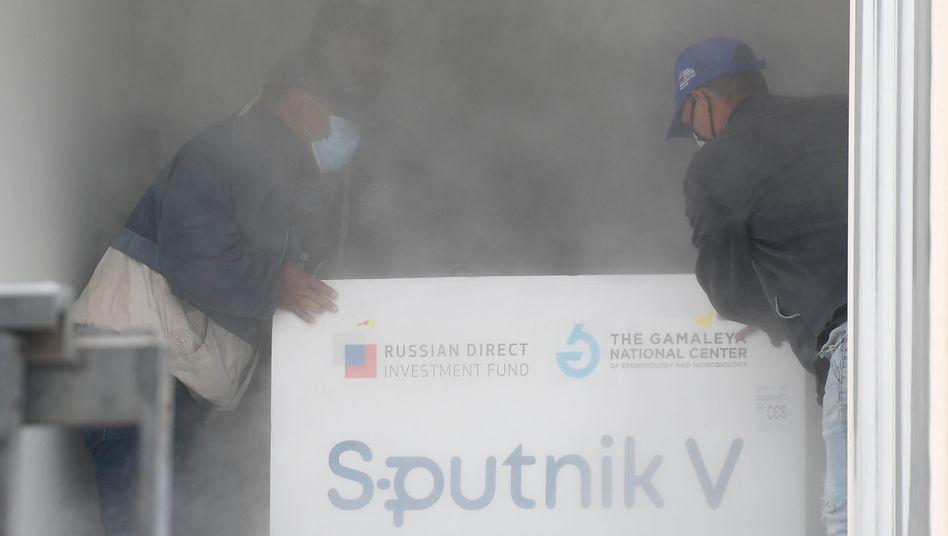 Lieferung des russischen Corona-Impfstoffs Sputnik V in Venezuela (Symbolbild)