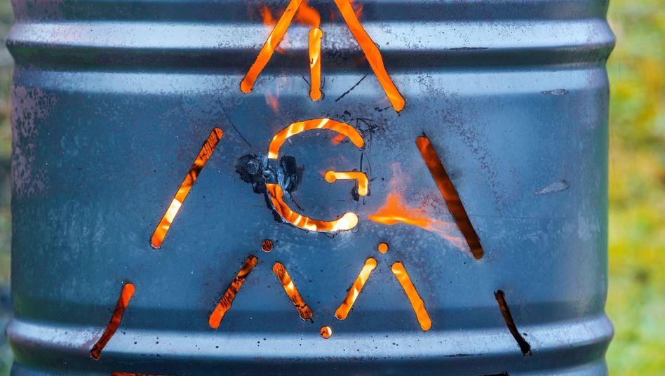 IG-Metall-Logo vor der MV-Werft (Archivbild)