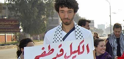 Vor der Festnahme: Rizk protestiert für die Menschen im Gaza-Streifen