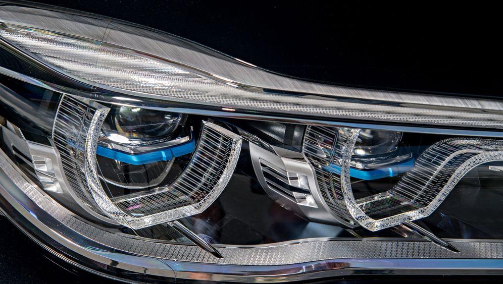 Autogramm BMW 740e: Luxuslimousine für die Steckdose