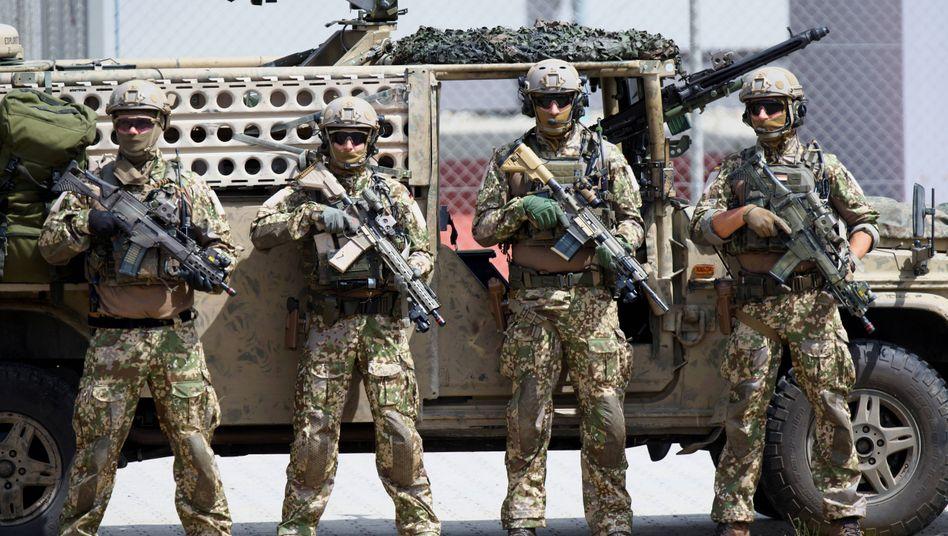 KSK-Soldaten nach einer Vorführung im Ausbildungszentrum Spezielle Operationen in Pfullendorf (im Juni 2019)
