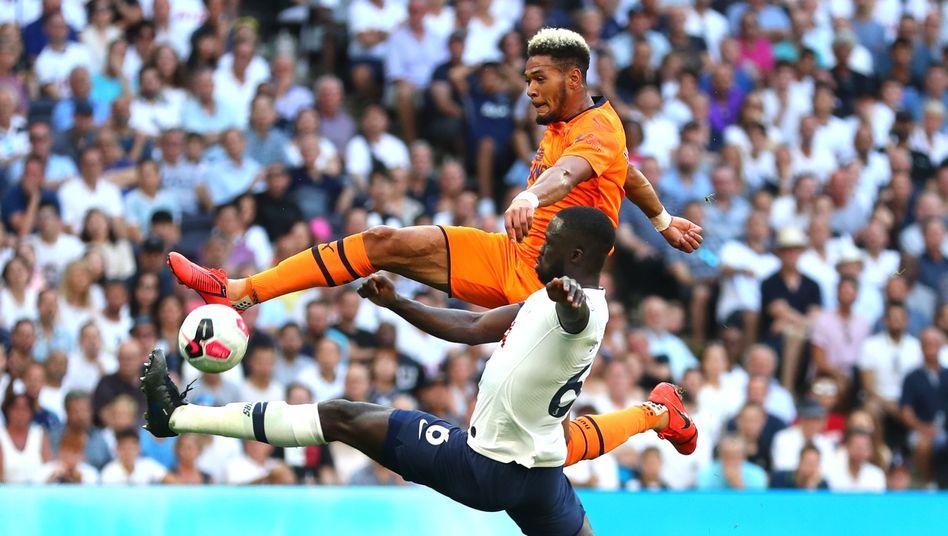 Ausgerechnet bei einem Topteam war Newcastles neuer Stürmer Joelinton erstmals erfolgreich