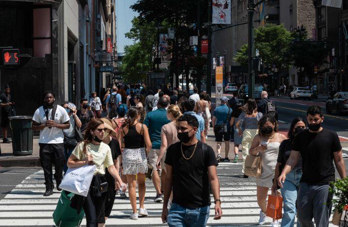 Mehr als 60 Prozent der Erwachsenen im Bundesstaat New York mit rund 19 Millionen Einwohnern sind bereits voll geimpft