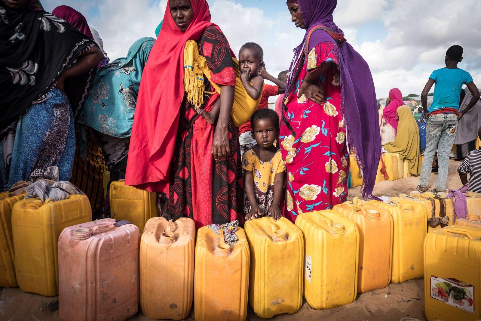 EINMALIGE VERWENDUNG Dürre / Hunger / Epedemie / Cholera / Somalia