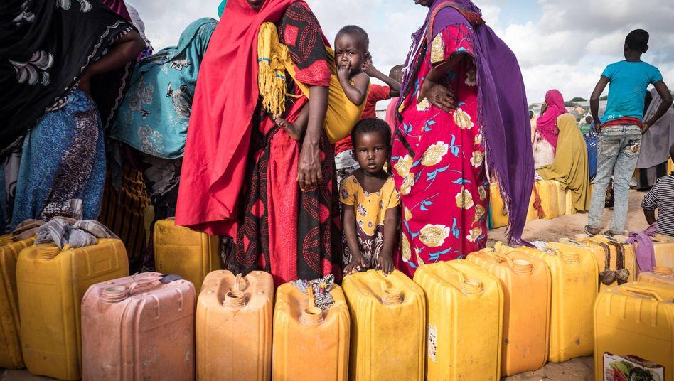 Frauen und Kinder in Mogadischu, Somalia