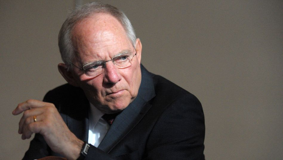 German Finance Minister Wolfgang Schäuble: A questionable comparison could add fuel to the fire in Crimean crisis.