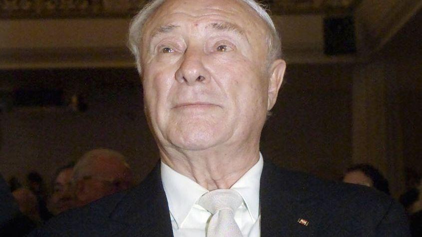 SPD-Politiker Leber (bei seinem 80. Geburtstag im Jahr 2000): Tod nach langer Krankheit