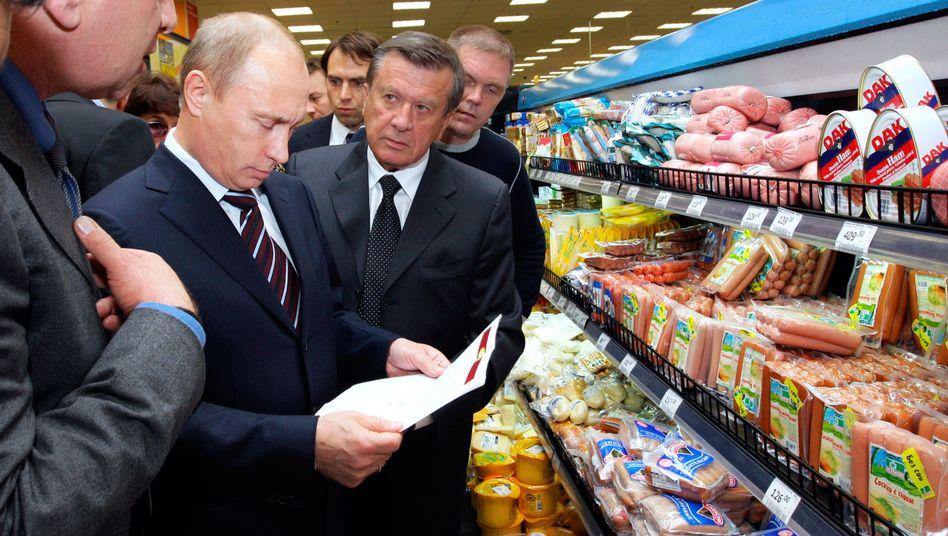 """Putin in Moskauer Supermarkt (Juni 2009): """"Bald wird es hier ziemlich leer sein"""""""