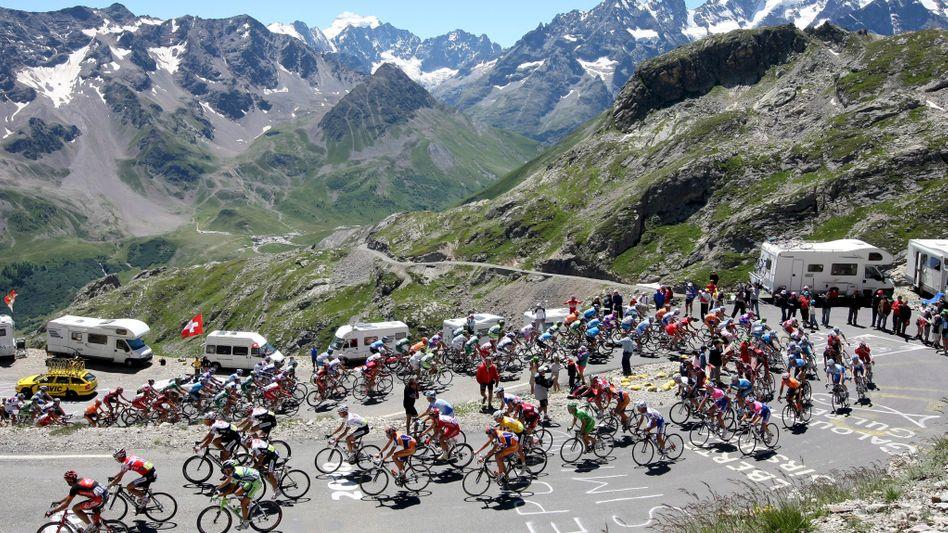 Anstieg nach L'Alpe d'Huez: Bei der Tour 2013 zweimal an einem Tag im Programm