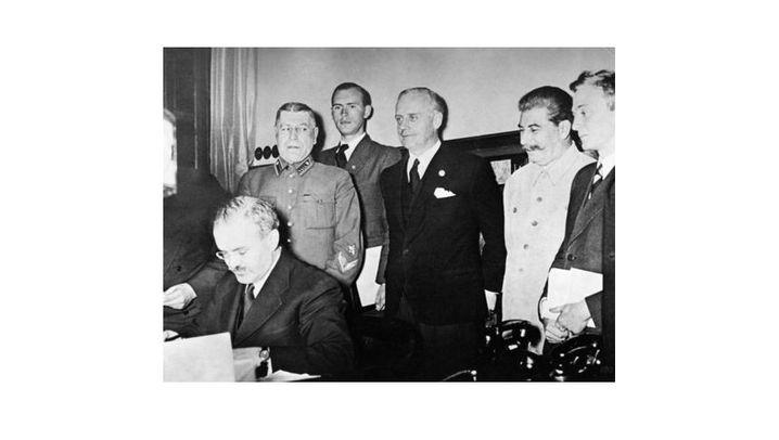 Der Nichtangriffspakt: Geheime Zusatzklauseln und Kurswechsel