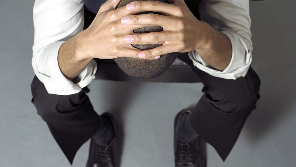 Ausgebrannter Arbeitnehmer (Symbolbild): Unterforderung kann auch eine Ursache sein