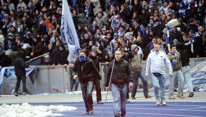 Gewaltbereite Fans: Krawalle in ganz Europa
