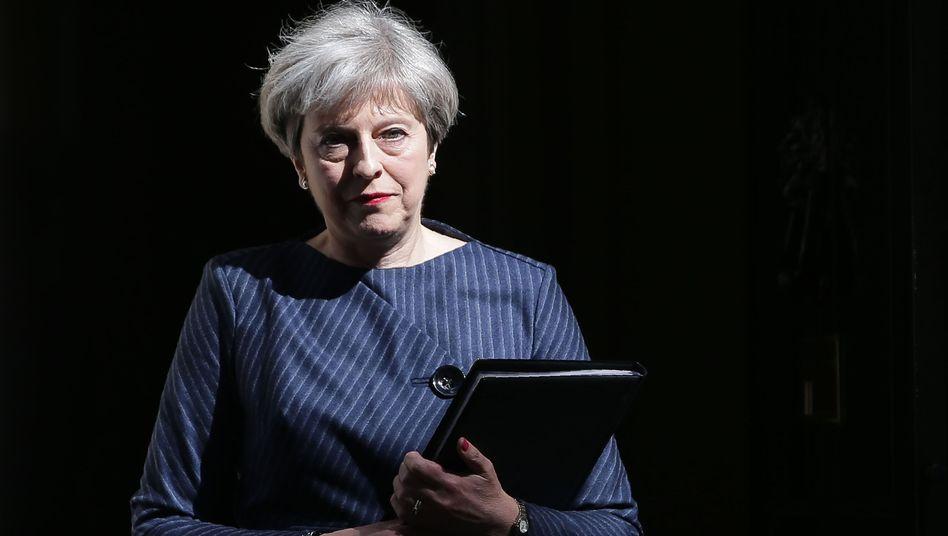 Großbritannien: Regierungschefin Maykündigt Neuwahlen für Juni an