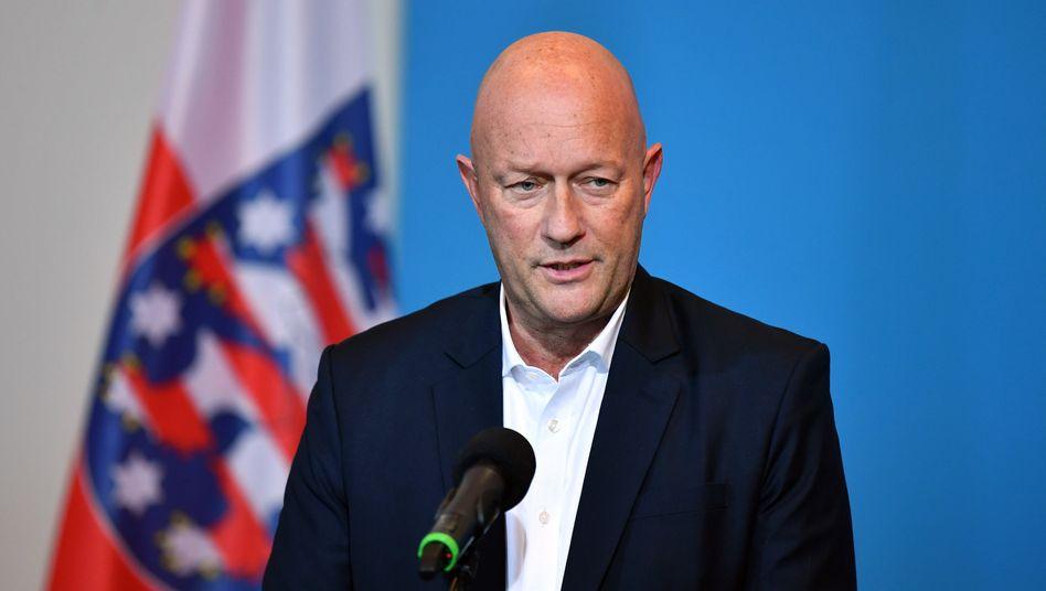 Thomas Kemmerich bei seinem ersten Statement als Ministerpräsident