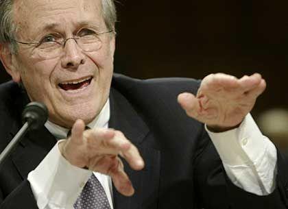 """Rumsfeld: """"Ich erinnere das nicht"""""""