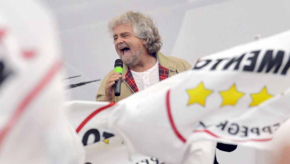 Beppe Grillo im Wahlkampf: Doch kein Kopf-an-Kopf-Rennen