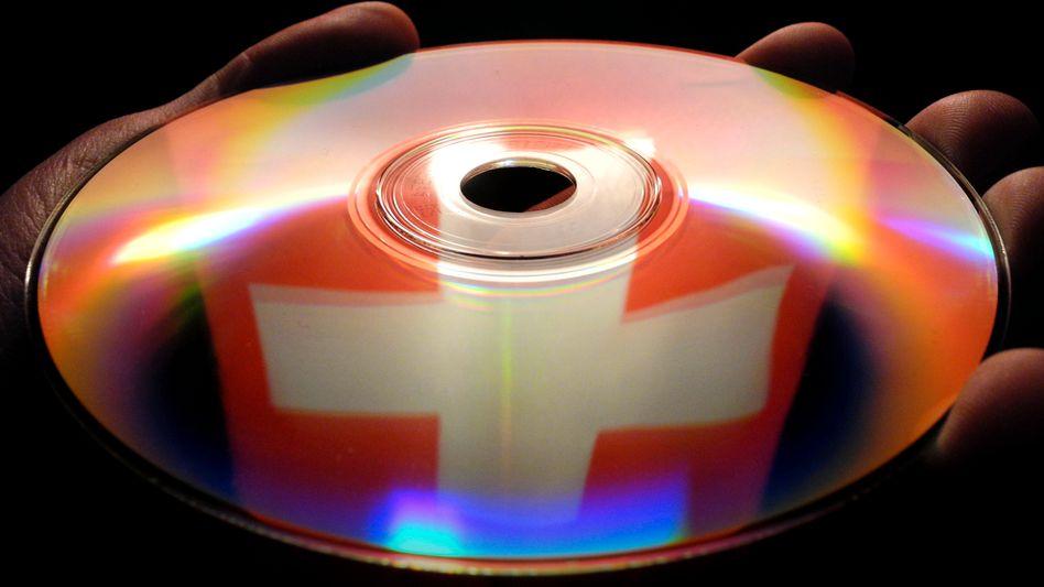 Datenträger: NRW will auch künftig Steuersünder per CD überführen