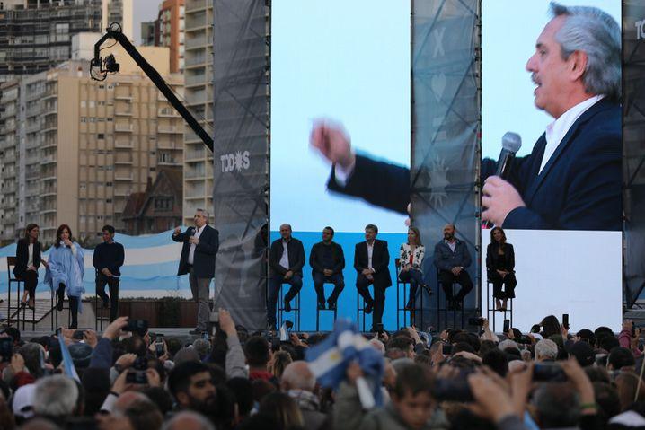 Herausforderer Fernández bei einer Wahlkampfveranstaltung in Mar del Plata