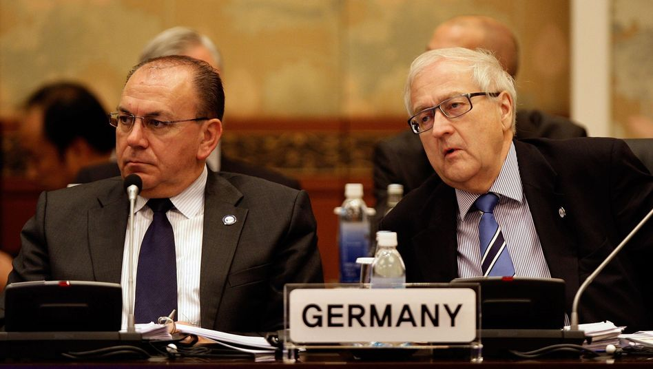 Bundesbank-Chef Axel Weber, FDP-Minister Brüderle: Fokus auf marktwirtschaftliche Prozesse
