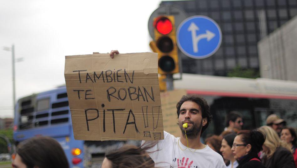 Anti-Banken-Proteste in Barcelona: Im Mittelpunkt der Krise stehen die Sparkassen