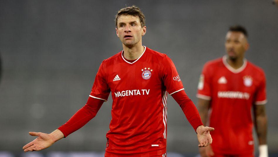 Thomas Müller reist mit seinem FC Bayern am Samstag zum Tabellenführer