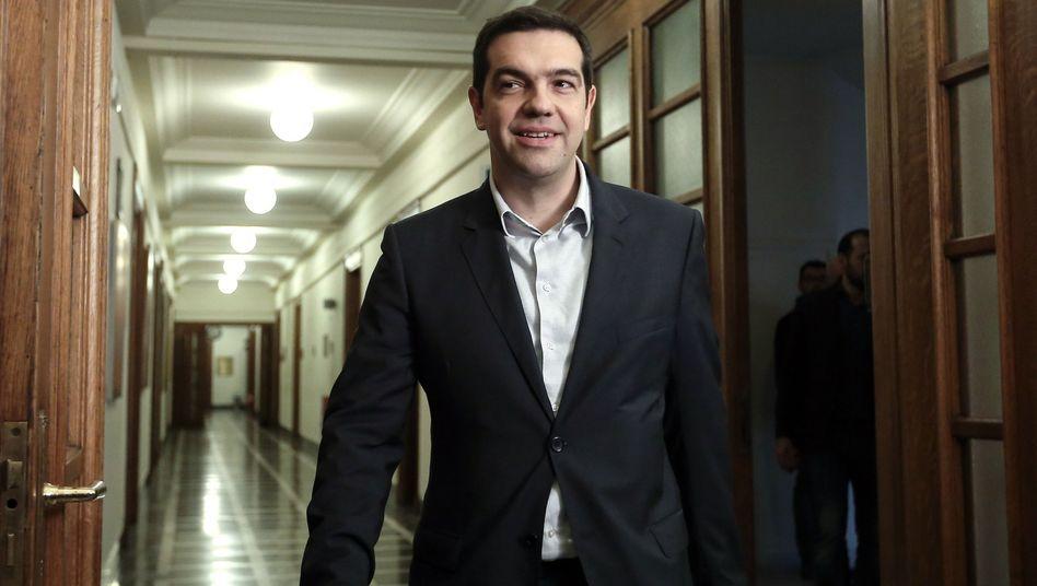 Premier Tsipras im griechischen Parlament: Hektische Telefondiplomatie