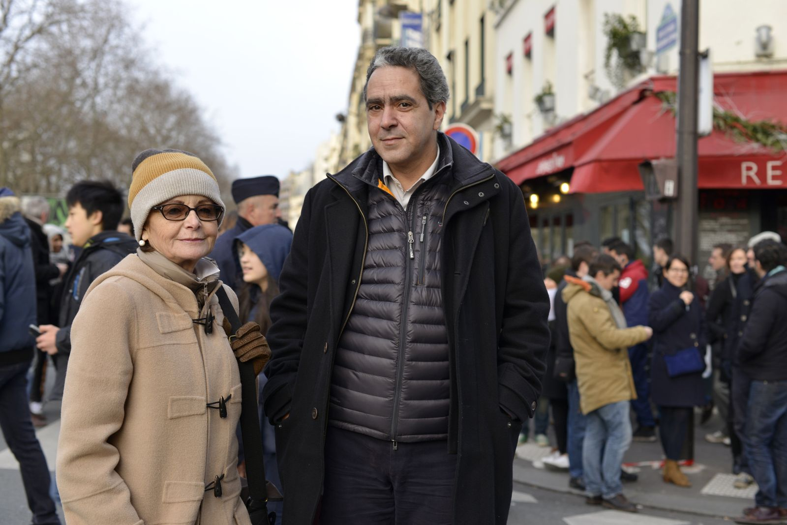 EINMALIGE VERWENDUNG Frankreich / Trauer / Paris / wicem_soussi_danielle_raymond_1
