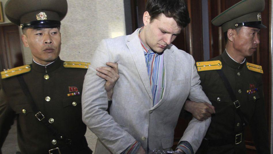 US-Student Otto Warmbier vor dem Verfassungsgericht in Nordkorea im März 2016