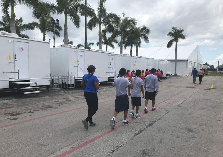Ein Lager für Migrantenkinder in Florida