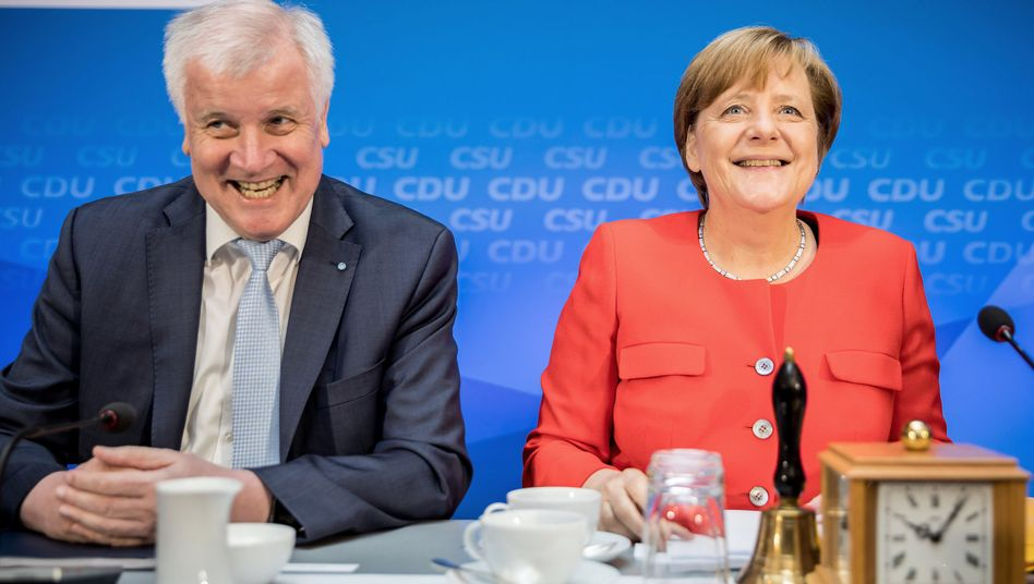 CSU-Chef Seehofer, CDU-Chefin Merkel