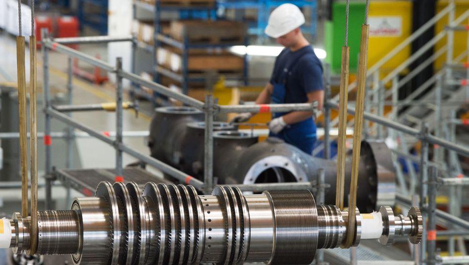 Montage in Turbinenwerk von Siemens: Konjunkturschock durch die Corona-Pandemie
