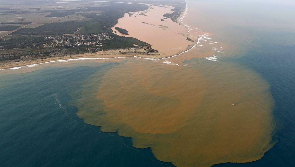 Schlammlawine in Brasilien: Angst vor giftigen Stoffen