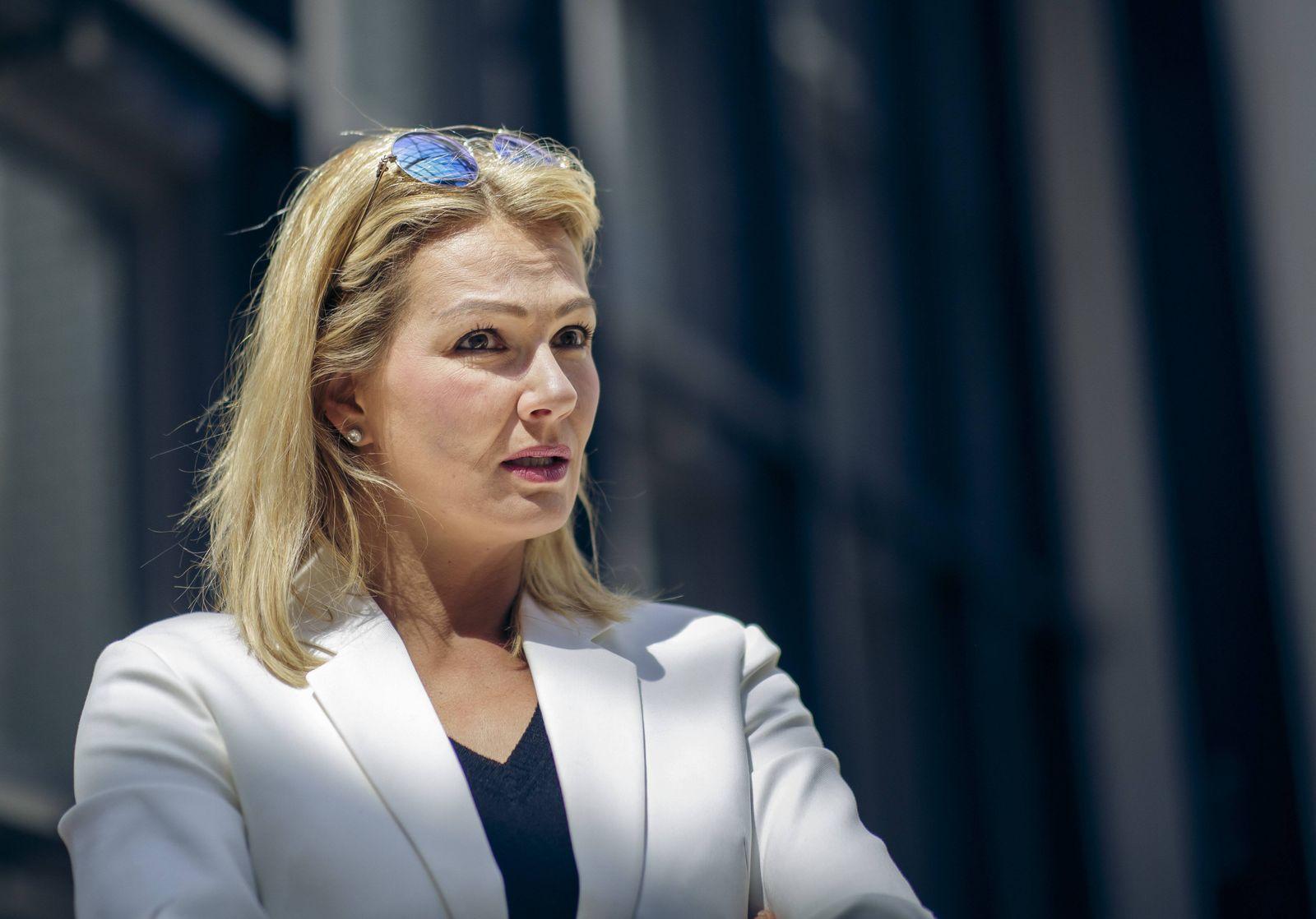 Franziska von Almsick vor einem Pressegespraech in der Bayrischen Landesvertretung in Berlin anlae