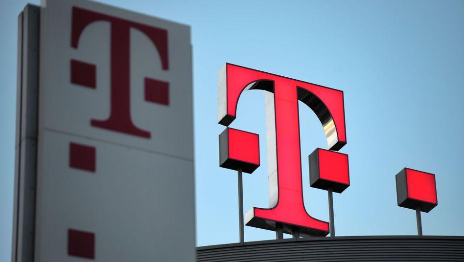 Telekom-Logo in Bonn: Ärger wegen der Datenschwemme