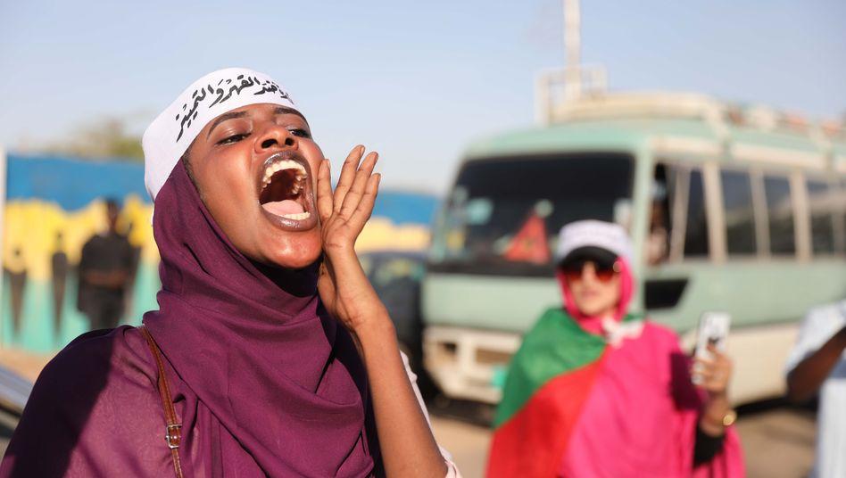 Schrei nach Freiheit: Sudanesische Frauen in Khartoum (November 2019)