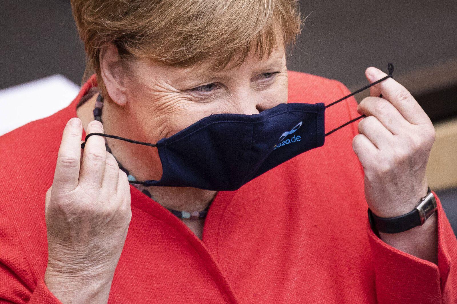 Bundeskanzlerin Angela Merkel, CDU, aufgenommen im Rahmen der Bundesratssitzung und ihrer Erklaerung zur EU-Ratspraesid