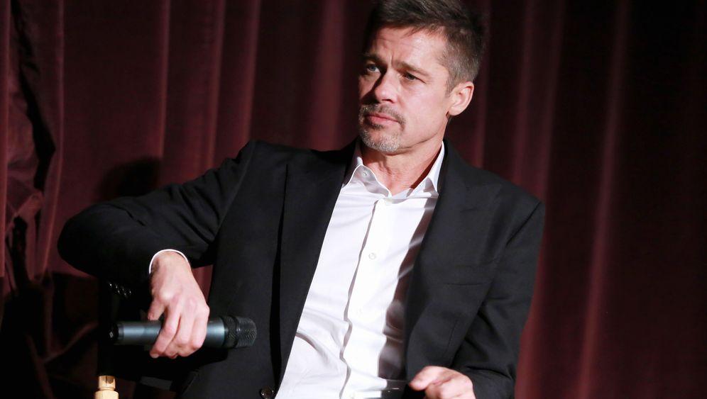 Nach der Alkoholbeichte: Brad Pitt kann wieder scherzen